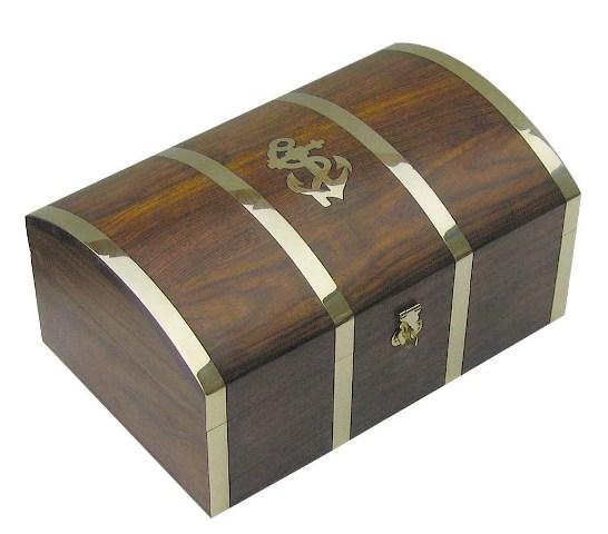 Wooden box with treasures - marine style - marine decoration