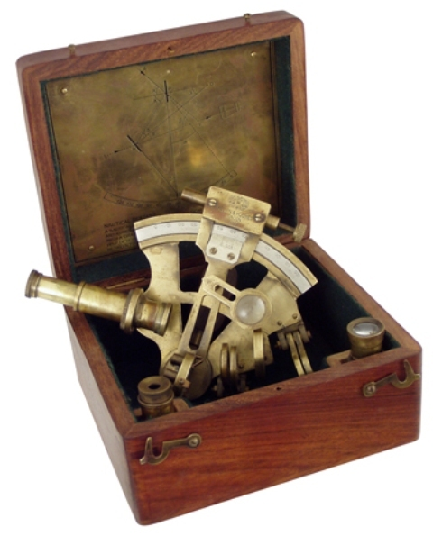 Sextant in old wooden box -  antic brass finish -  5'' - marine style - marine decoration
