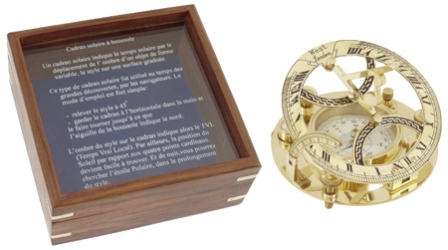 Sundial with compass -  shiny brass finish -  diam : 4''1/2 - marine style - marine decoration